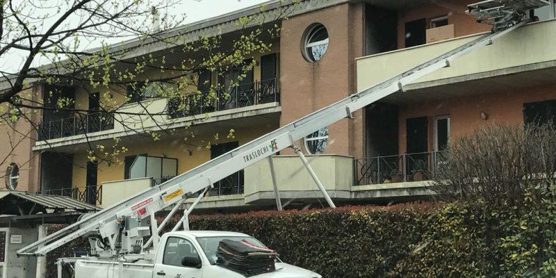 Noleggio Autoscale Brescia Condominio Pf Traslochi