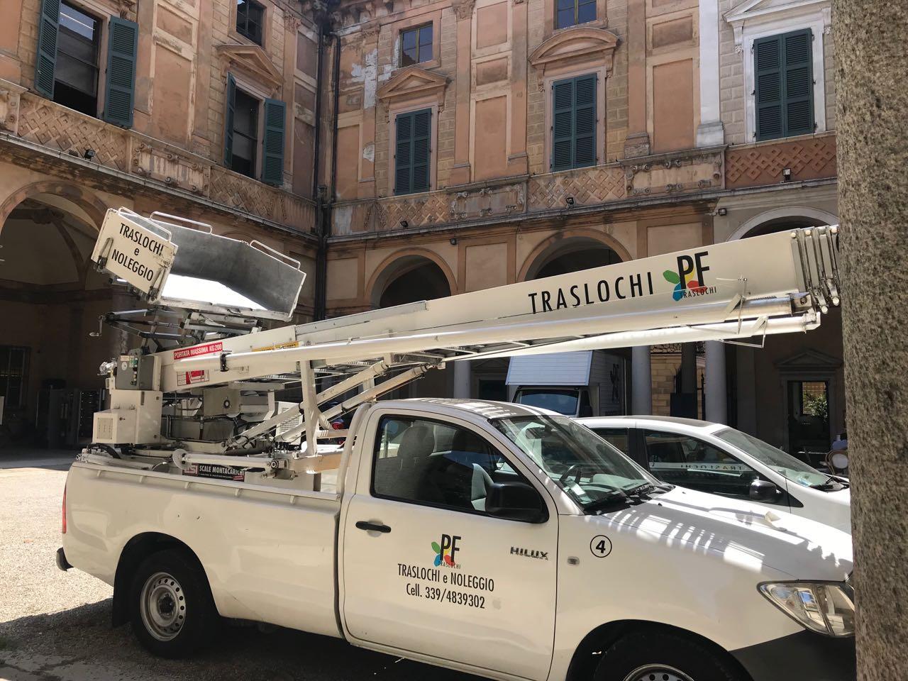 Noleggio Autoscale Brescia Pf Traslochi