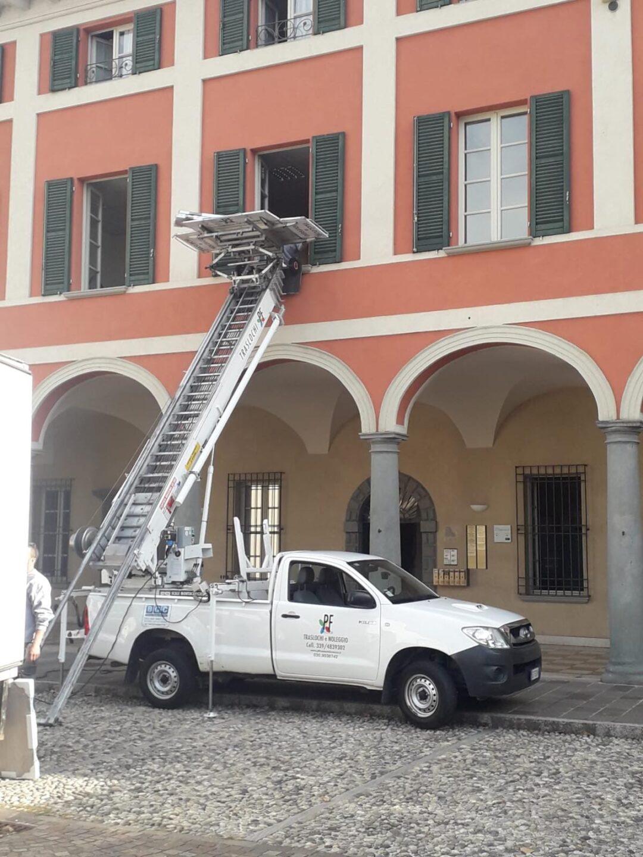 noleggio autoscala-PF Traslochi Brescia e provincia