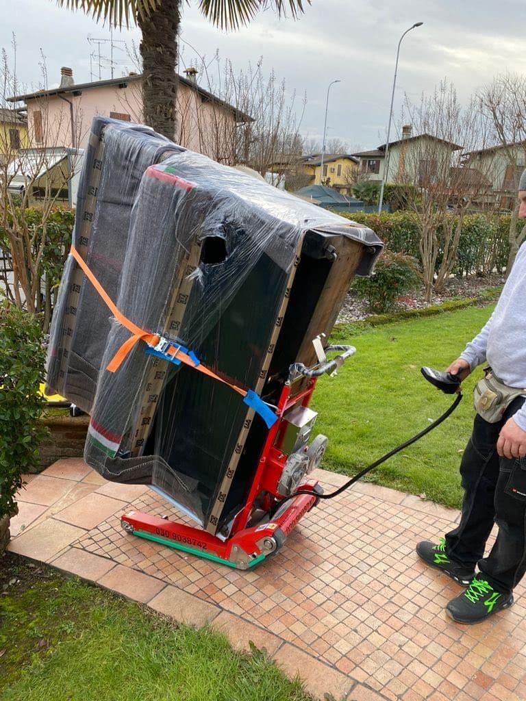 noleggio robot saliscale- PF Traslochi